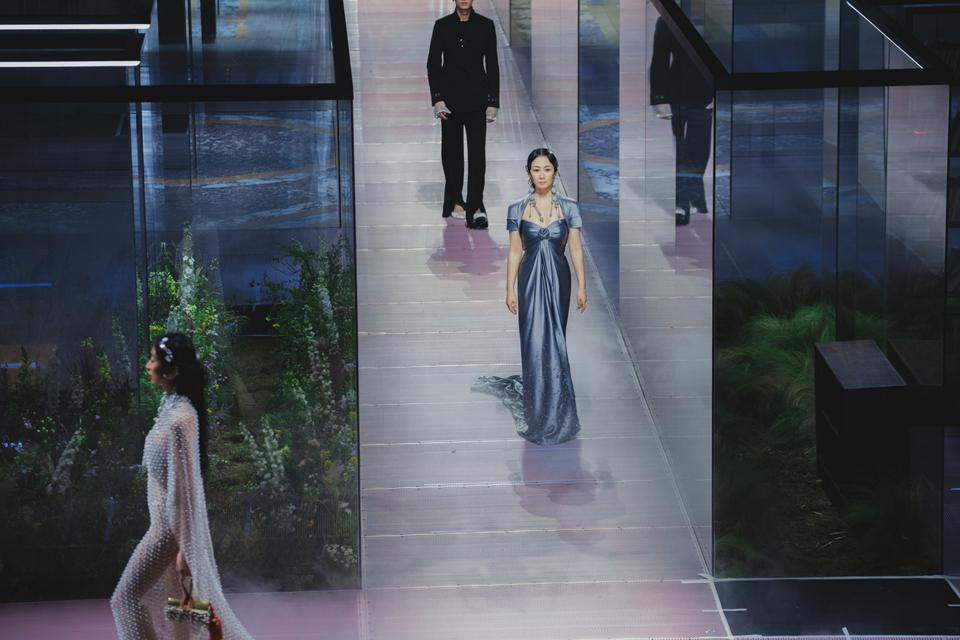 Kim Jones Takes His Summer-Spring FENDI Couture Collection To Shanghai